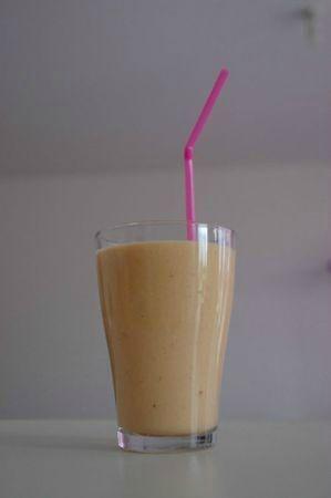 02-08-11 Verre de smoothie
