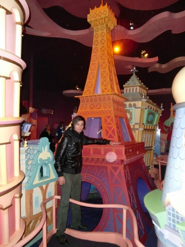 It's a Small World - sortie - Ady