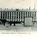 154 - Caen - Nouvelles casernes d'artillerie, entrée principale L.L. (carte postale coll. Verney-grandeguerre)