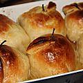Douillons aux pommes, coeur miel, noisette, pistache
