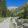 souvenirs de vacances dans les Hautes Alpes: la cascade du Razis et le <b>parcours</b> des <b>fées</b> 3/7