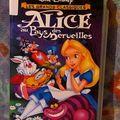 <b>VHS</b> Alice au pays des merveille.