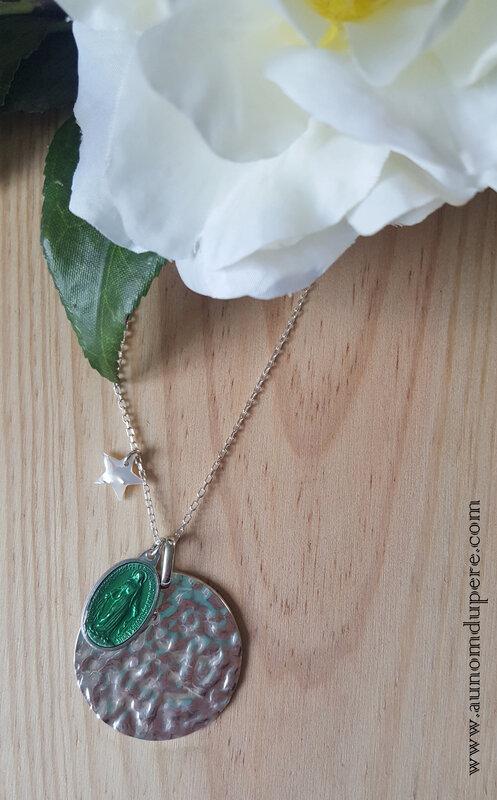 Sautoir de la médaille miraculeuse GM (vert) - 69 € sur chaîne 80 cm ; 64 € sur chaîne 60 cm