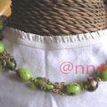 Ras du cou perles indiennes vertes et papillons dorés (N)