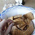 Crackers au tahini (purée de sésame), paprika fumé et graines