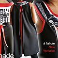 Robe Trapèze graphique Bicolore Noire/Rouge Imprimé rayures et New York