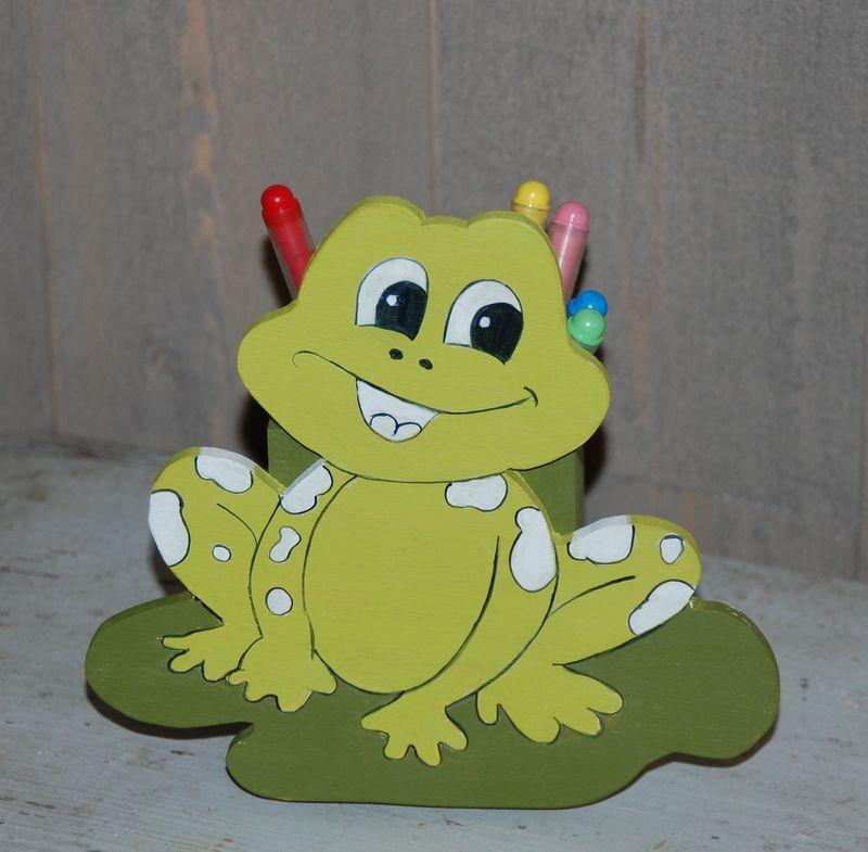 fabrication pot a crayon grenouille 11 photo de d coration enfant doucine en couleurs. Black Bedroom Furniture Sets. Home Design Ideas