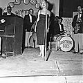 1954-02-19-korea_daegu-inside-stage-010-1