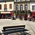 Banc en métal à Saint-Pourçain (03)