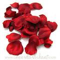 - déco de table- pétales de roses - boutique créative - www.coeurdartichaut.com