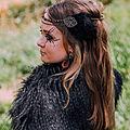 La tiare Joyce aux plumes noires pour vos coiffures de costume ou de soirée