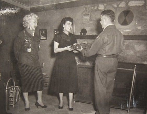 1954-02-16-5_after_perform_7th_infantery_division-5-with_jean-3