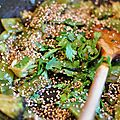 Petits légumes verts au miel et au sésame