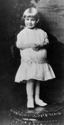jean-1916-baby-1