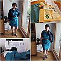 Une <b>robe</b> bleue imprimé cashmere