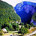 Parcours cycliste à travers les gorges du nan et vers le cirque de malleval (vercors/isere)