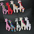 Troupeau de girafes colorées