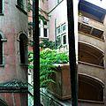 Photo du dimanche : fenêtres sur cours