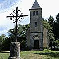 Mhère, chapelle du Banquet et croix (58)