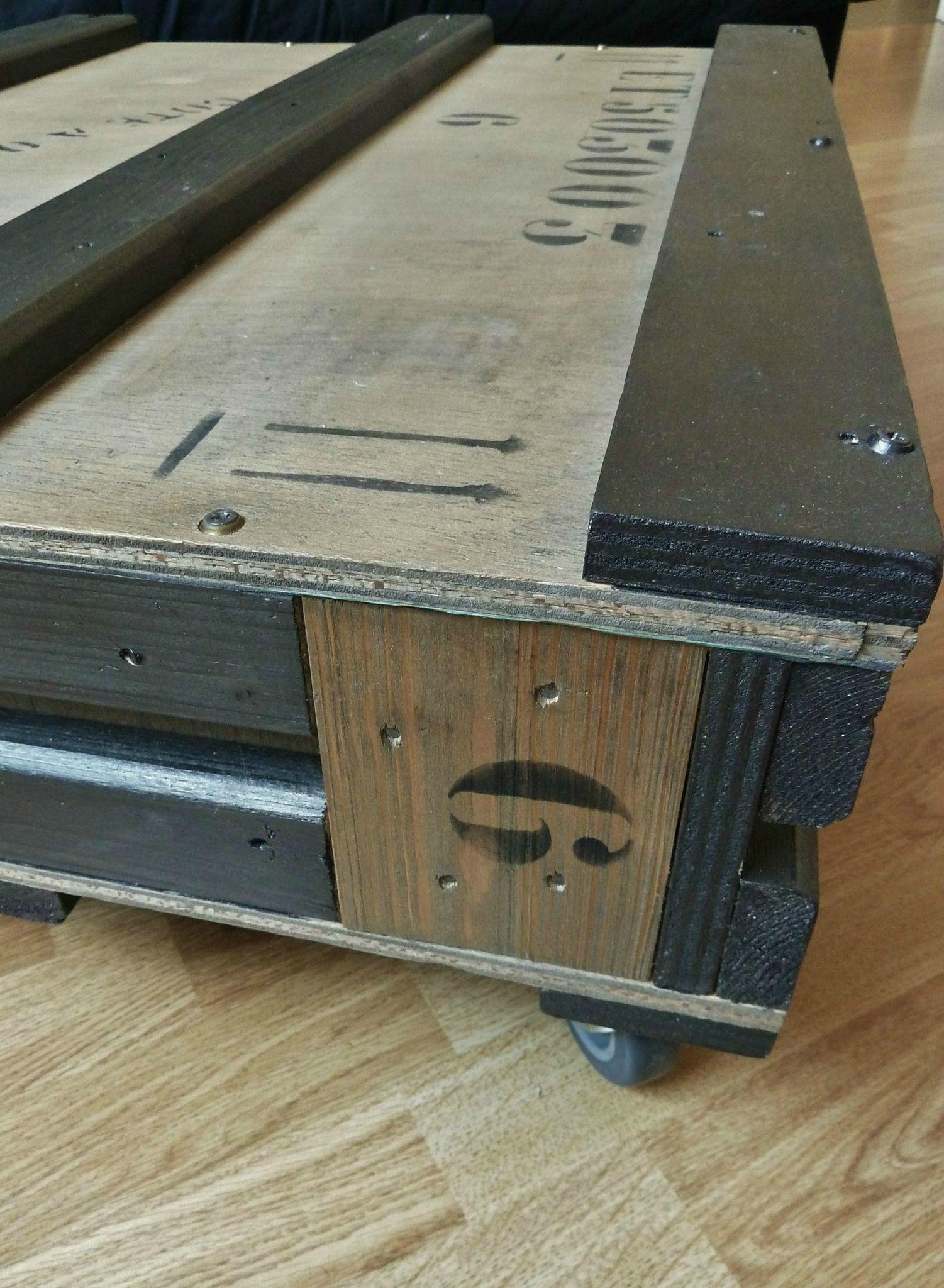 table basse caisse de transport