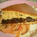 Gâteau fourré à la crème de pruneaux