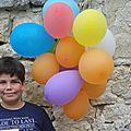 Anniversaire agent secret #4 piñata aux ballons