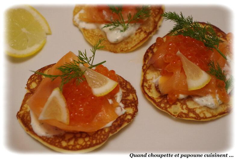 blinis au saumon fumé et oeus de saumon-7491