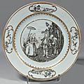 Chine de commande. Assiette ronde peinte en grisaille d'une scène représentant