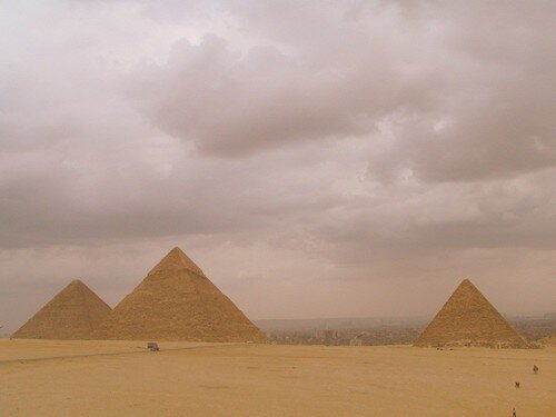 Les pyramides des Gizeh : Kheops, Kefren and Mykelinos