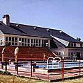 Nozay (Loire-Atlantique), la maison des jeunes et de la culture et la nouvelle piscine