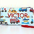 Trousse d'école camion de pompier brodé prénom Victor