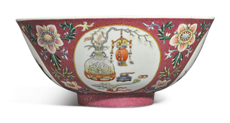 A ruby-ground famille-rose sgraffiato 'medallion' bowl, Daoguang seal mark and period (1821-1850)