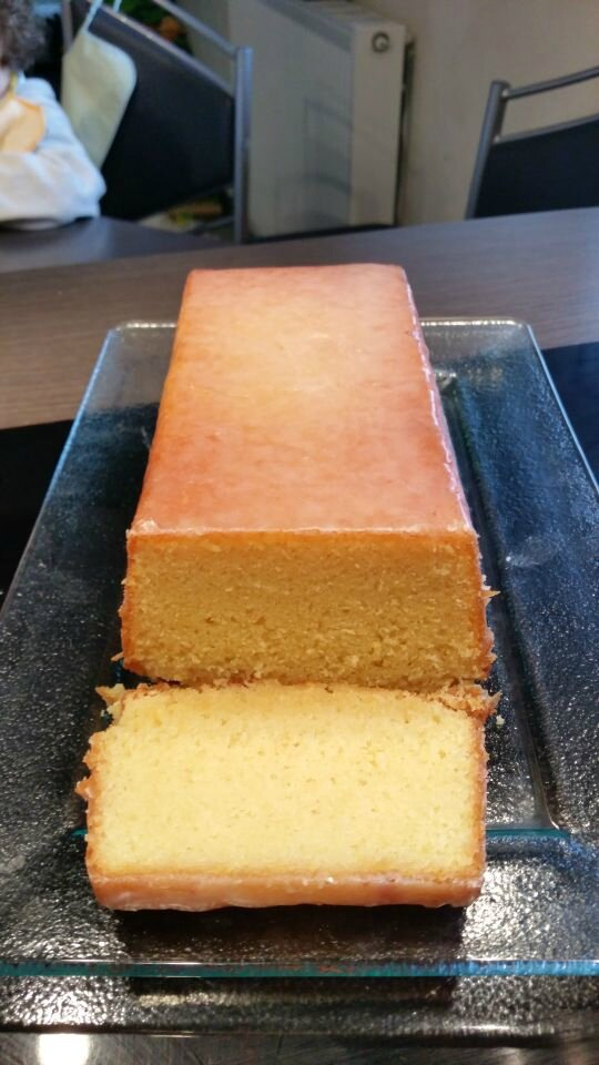 Cake au citron et son glaçage acidulé