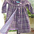 Joli manteau pour fillette coquette, en lainage écossais