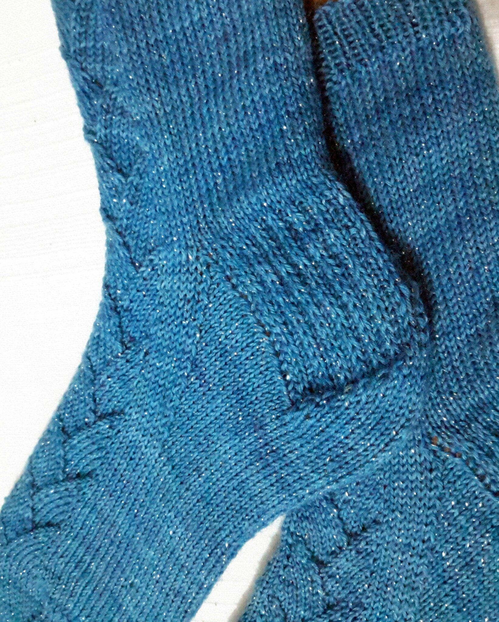 1-cup_of_tea_socks-C