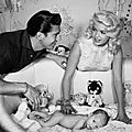 jayne-1958-12-with_mickey_and_son_miklos-1