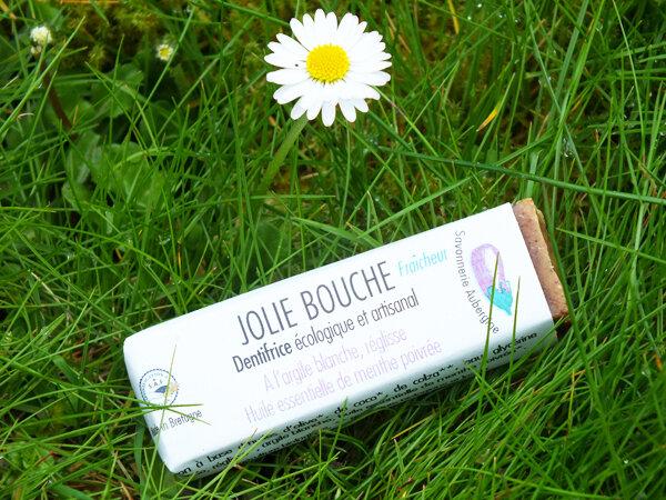 1 Dentifrice-solide-jolie-bouche-menthe-savonnerie-aubergine