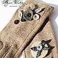 Gants fantaisie en laine pour femme élégante - gants marron clair, camel, avec décor gris et beige