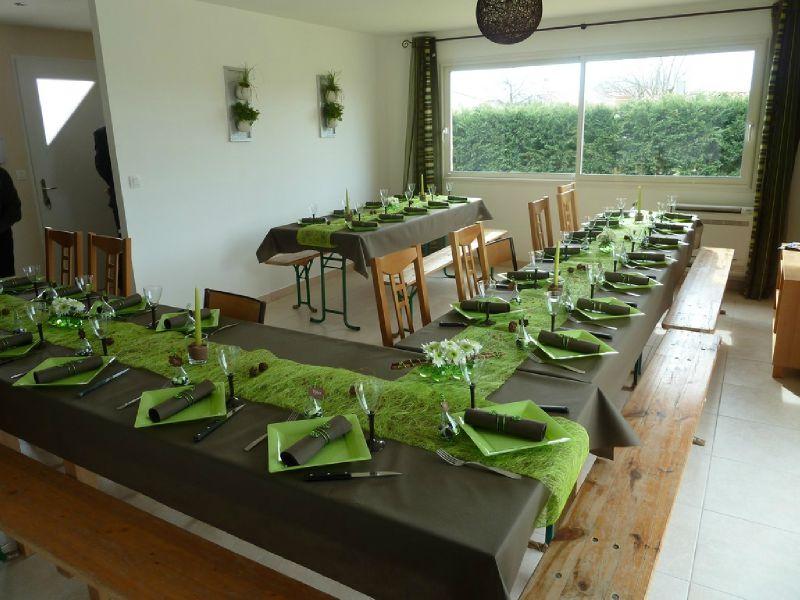 Vert anis et chocolat photo de d coration de table - Couleur vert anis et taupe ...