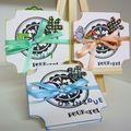 3 petites cartes, déclinées en 3 couleurs
