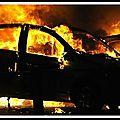 Nouvel an : le nombre de véhicules incendiés en légère hausse sur un an