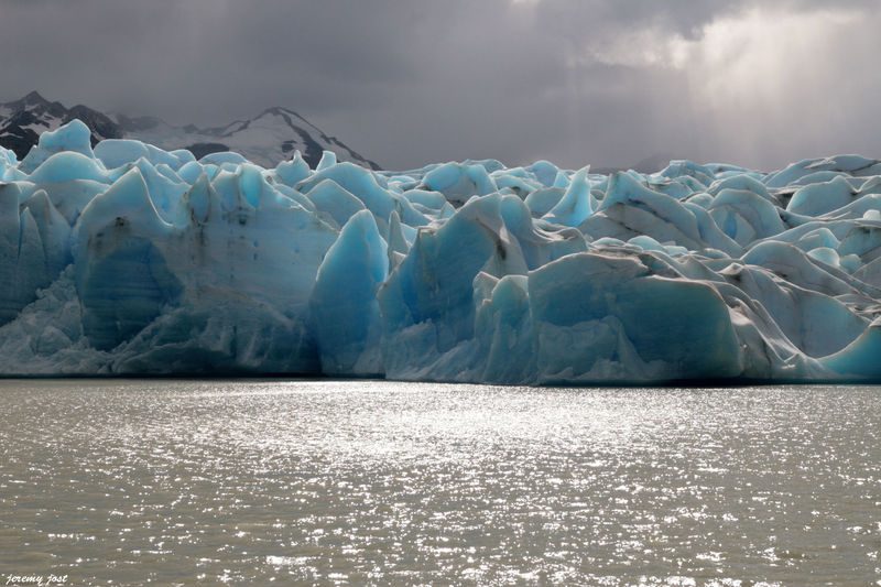 lumiere sur glaciar grey