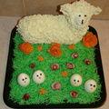 Mouton 3D, Cake salé et décoration fromage frais appliqué à la poche à douille.