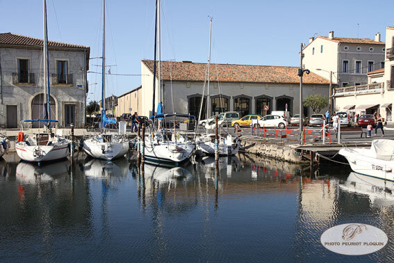 MARSEILLAN_Le_port_boutique_de_Noilly_Prat