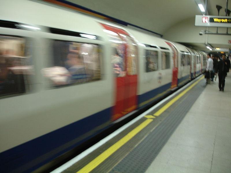London Underground : arrivée d'une rame