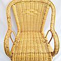 Petit fauteuil en osier