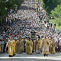 Thalie thalie- l' ukraine orthodoxe prie pour la paix (très belle vidéo)
