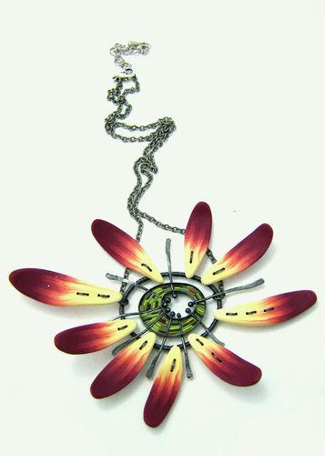 fleur au coeur vert