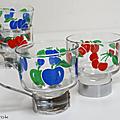 Vaisselle Vintage ... <b>TASSE</b> en verre ° Motif fruits