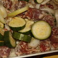Riz au four, à la saucisse et aux courgettes.